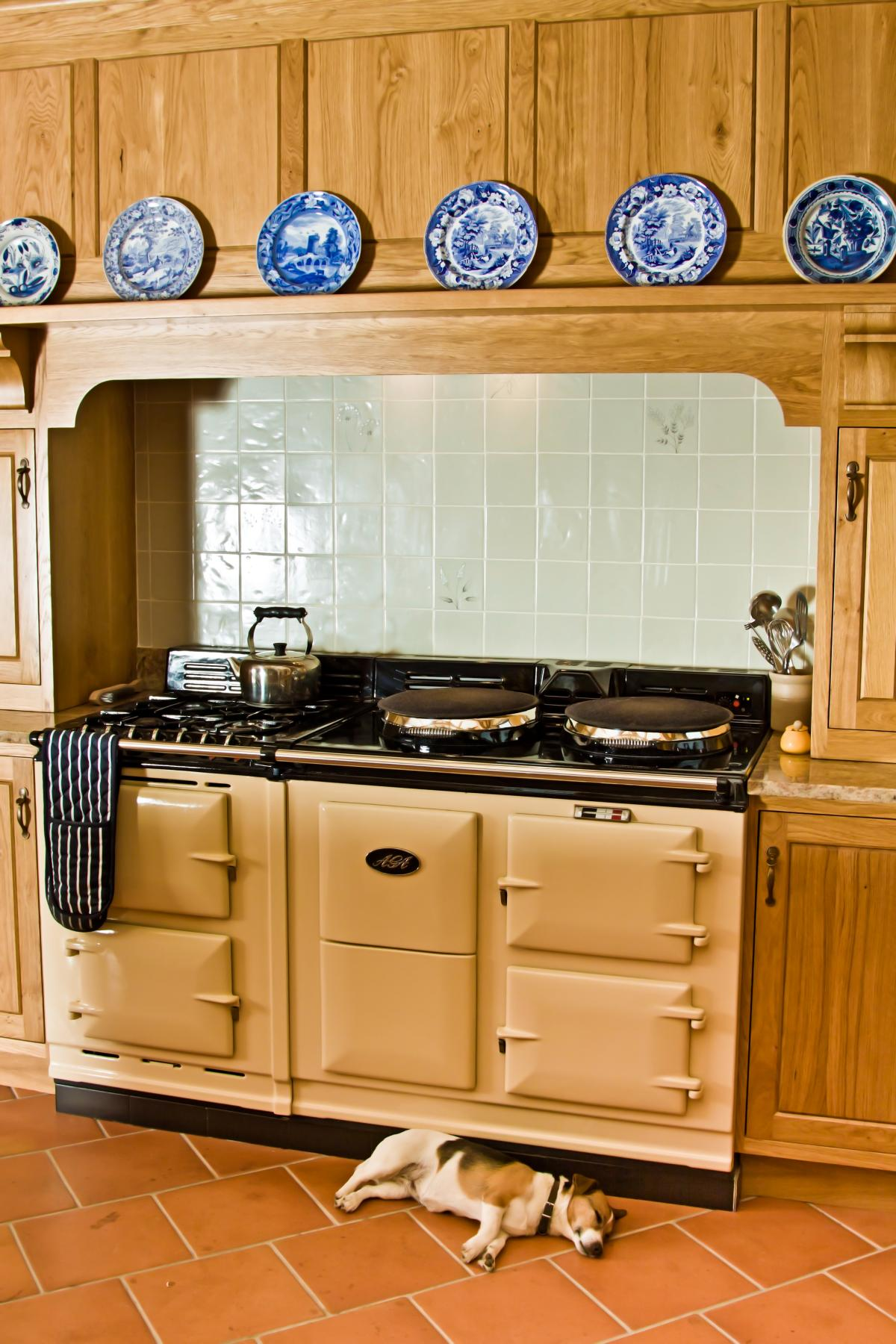 18 kitchen welsh dresser bespoke kitchen from reclaimed for Fitted kitchen dresser unit