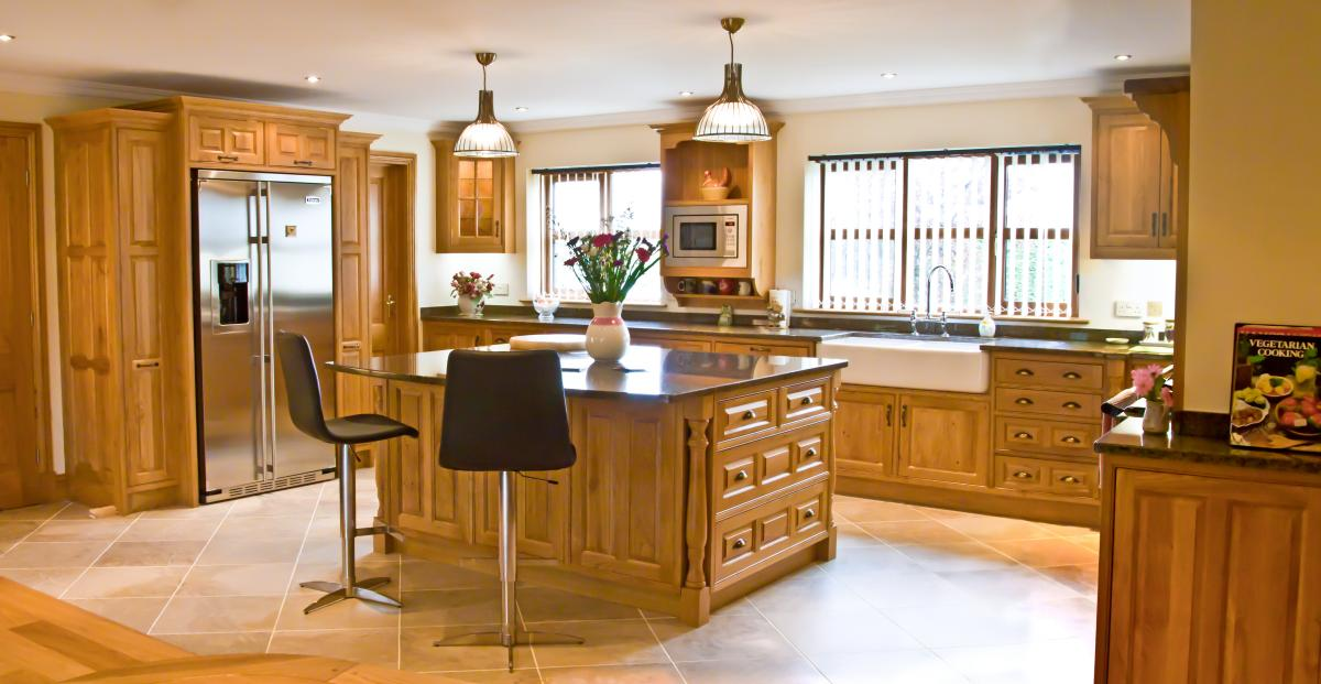 Kitchen Black Granite Oak Floor Cabinets