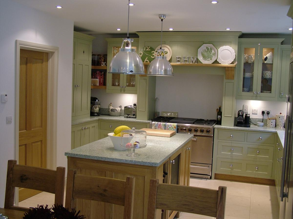 187 Painted And Oak Kitchen Kent