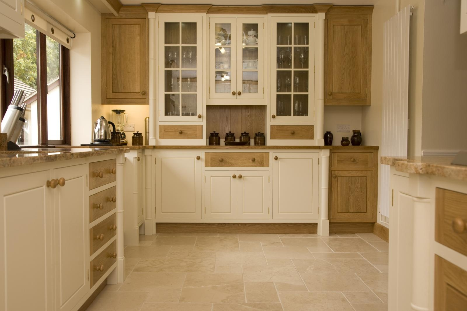 187 Painted Oak Kitchen Llanrhystud