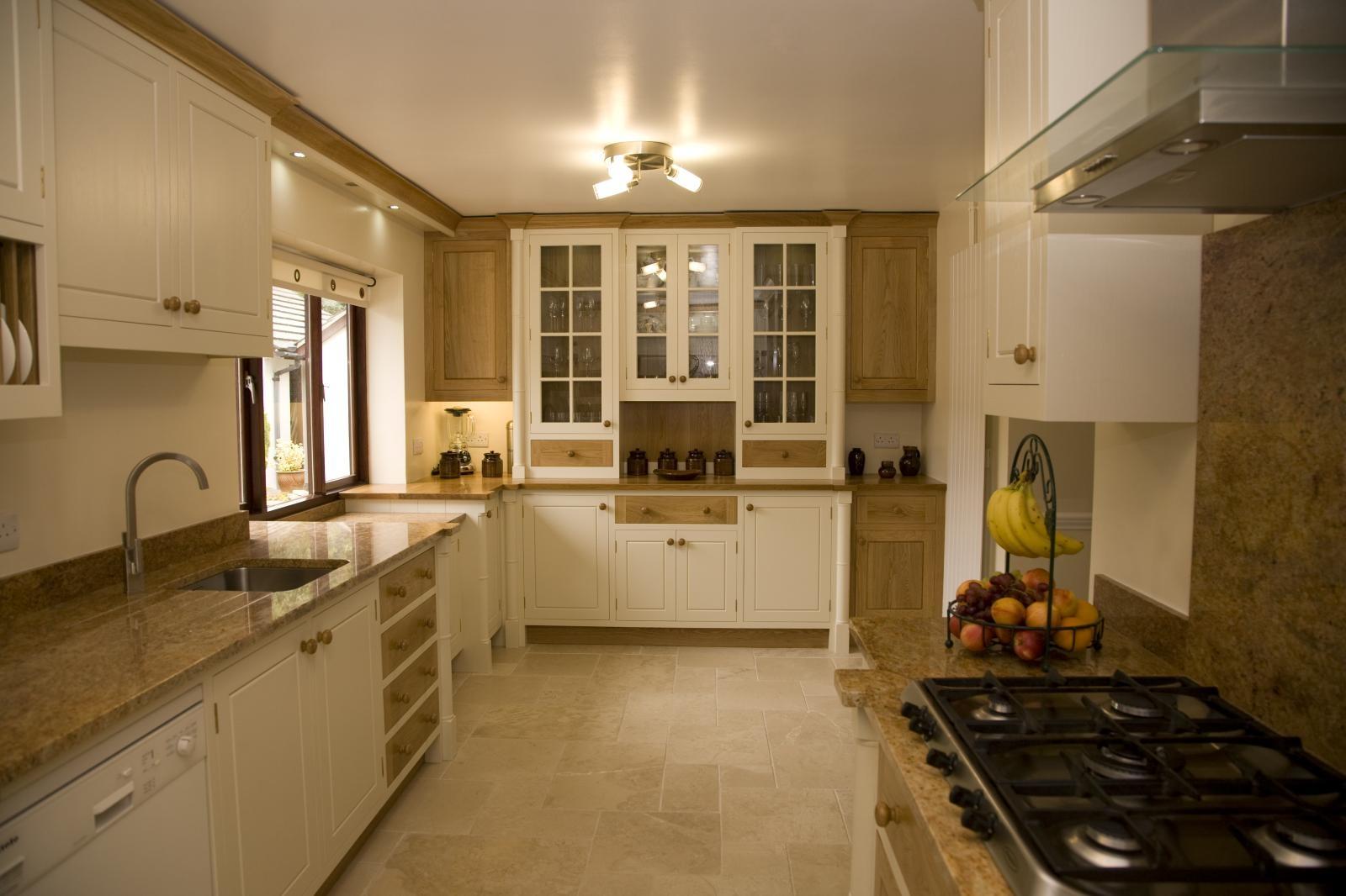187 Painted Oak Kitchen Llanrhystud