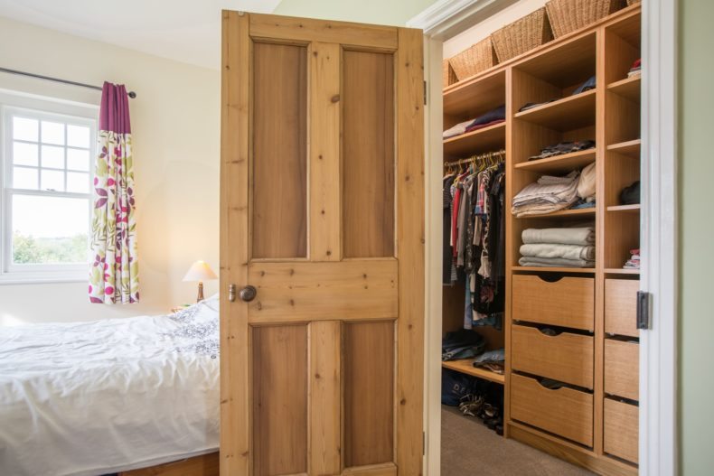 painted-and-oak-wardrobes-guilford-058