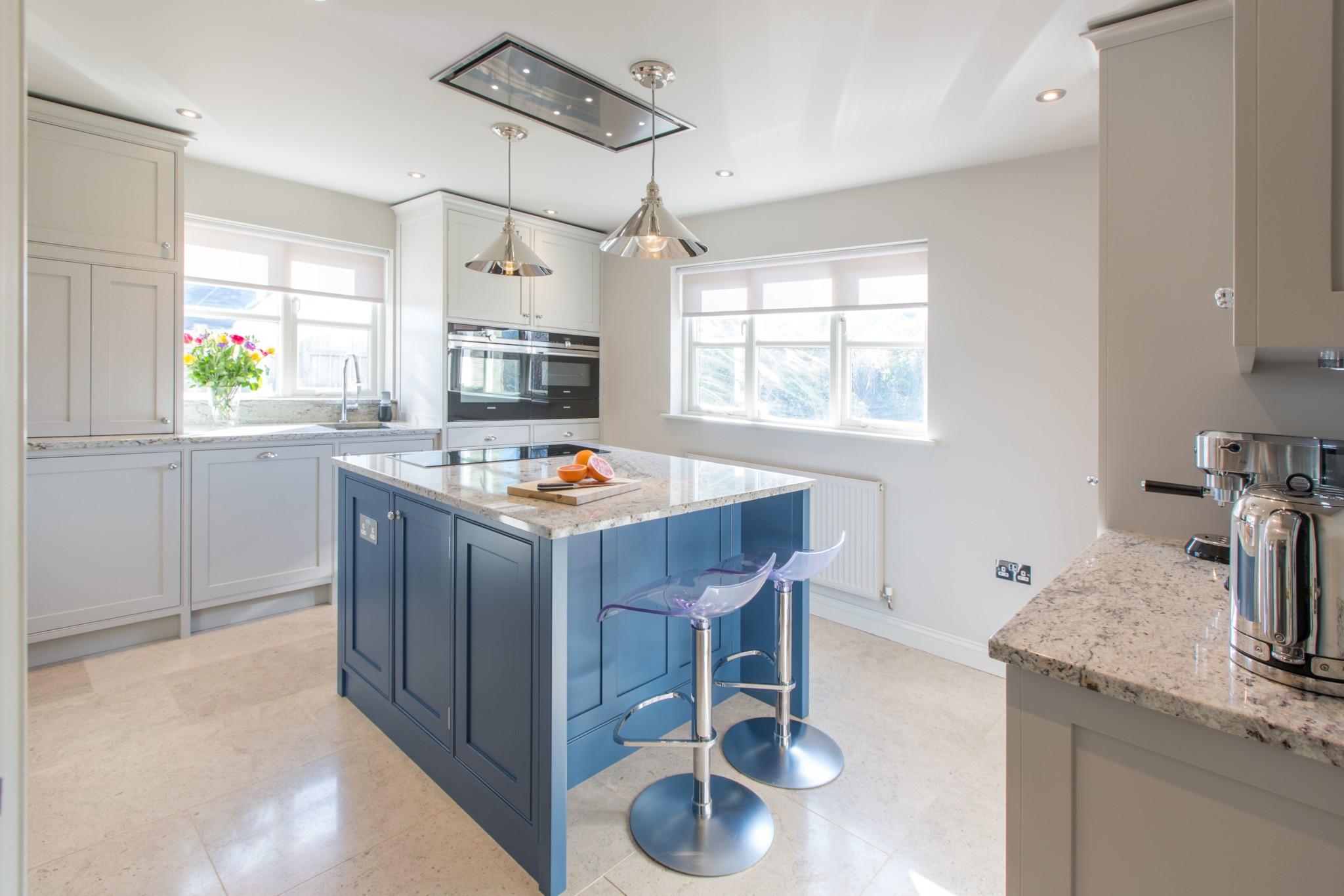Smooth Painted Kitchen Cheltenham