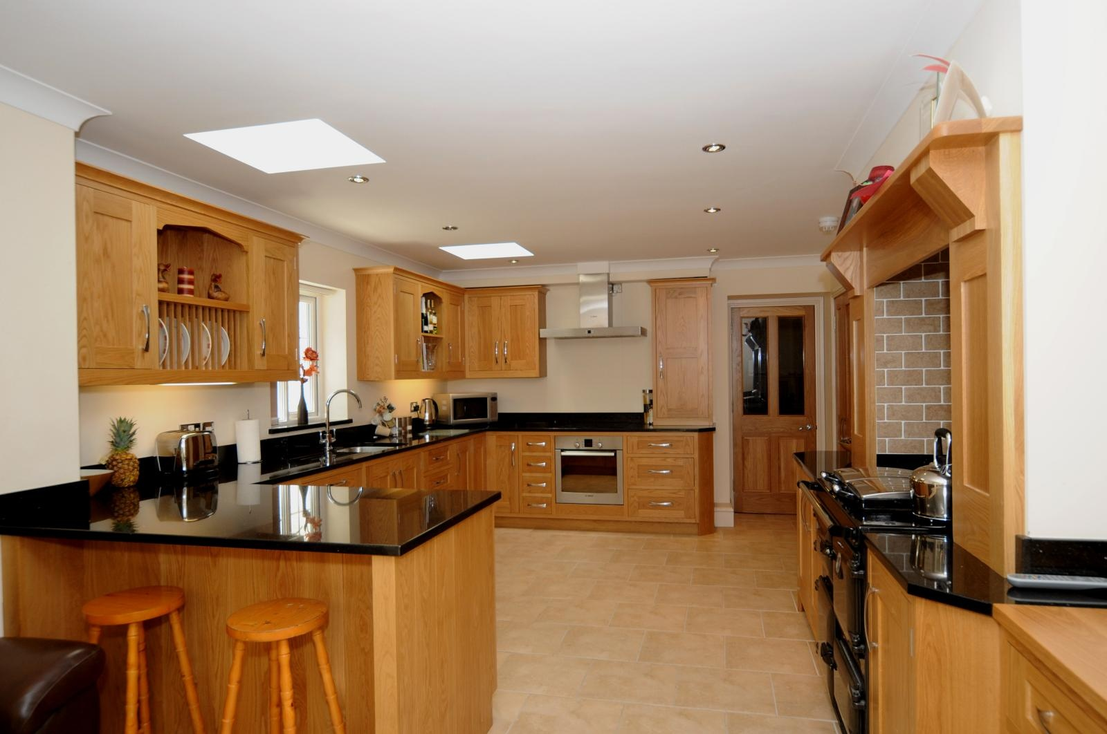 Oak shaker kitchen st davids mark stone 39 s welsh kitchens bespoke kitchens and furnuture made - Images of kitchens ...