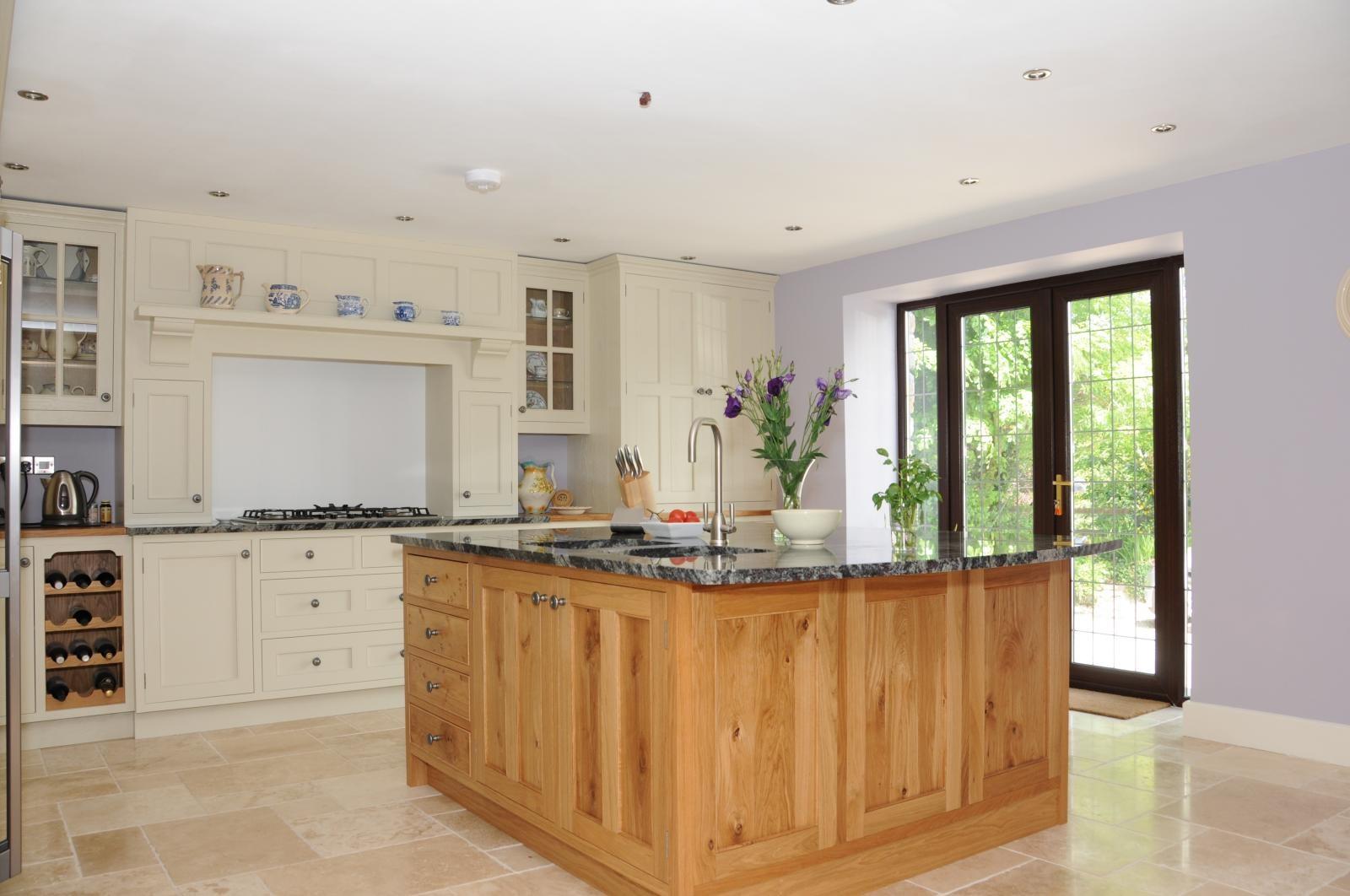 187 Painted And Oak Kitchen Llandeilo